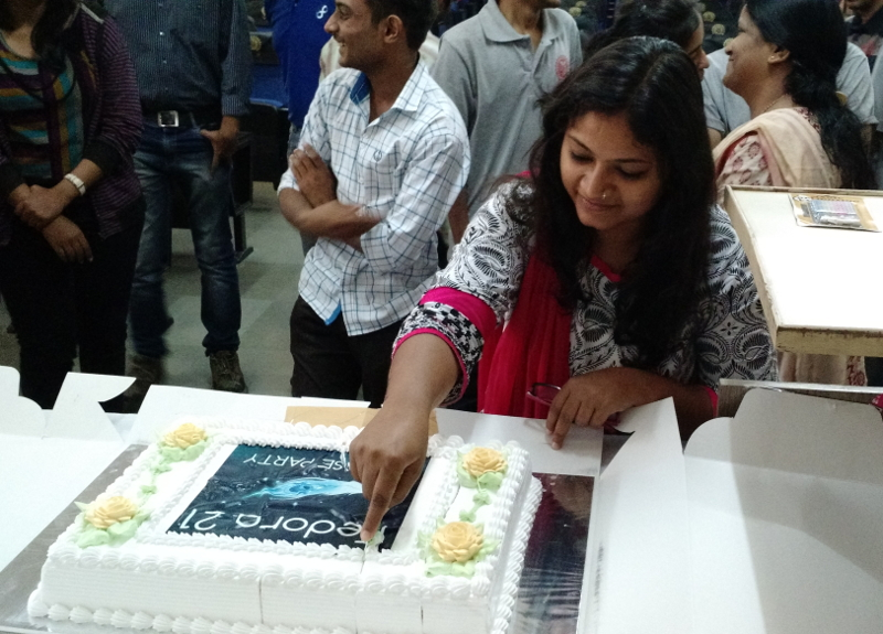 File:Rupali-cake-cutting.jpg